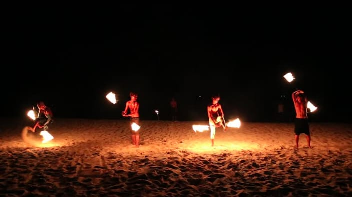 Fireshow Tonsai Chill Out Hostel