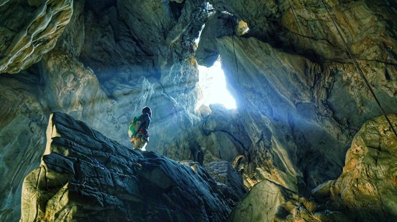 anxiety state crisis cave crazy horse climbing